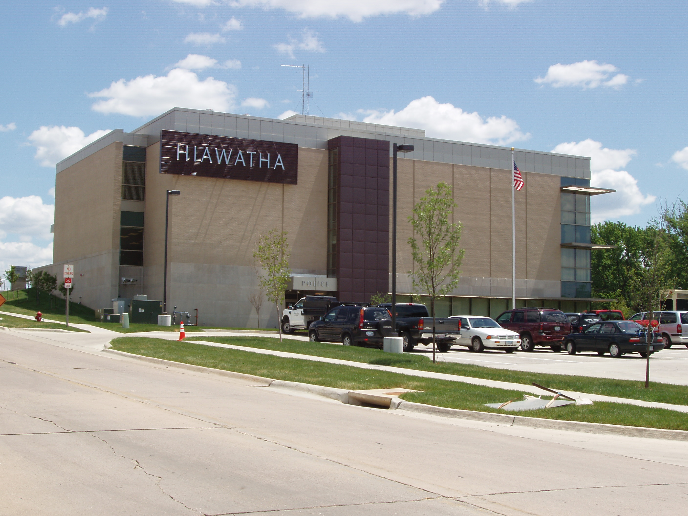 Hiawatha City Hall (Hiawatha)